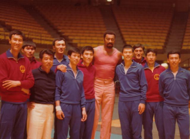 他在NBA影响力堪比姚明 被称为中国篮球的手刺