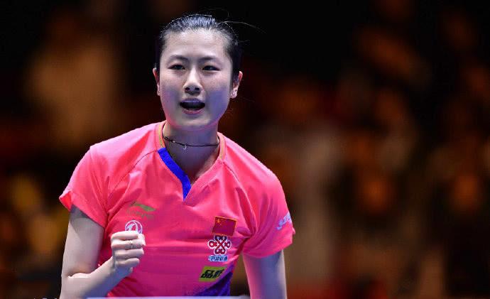 德国乒乓球公开赛进入收官日的争夺,女单半决赛的一场比赛在两位国乒选手之间进行