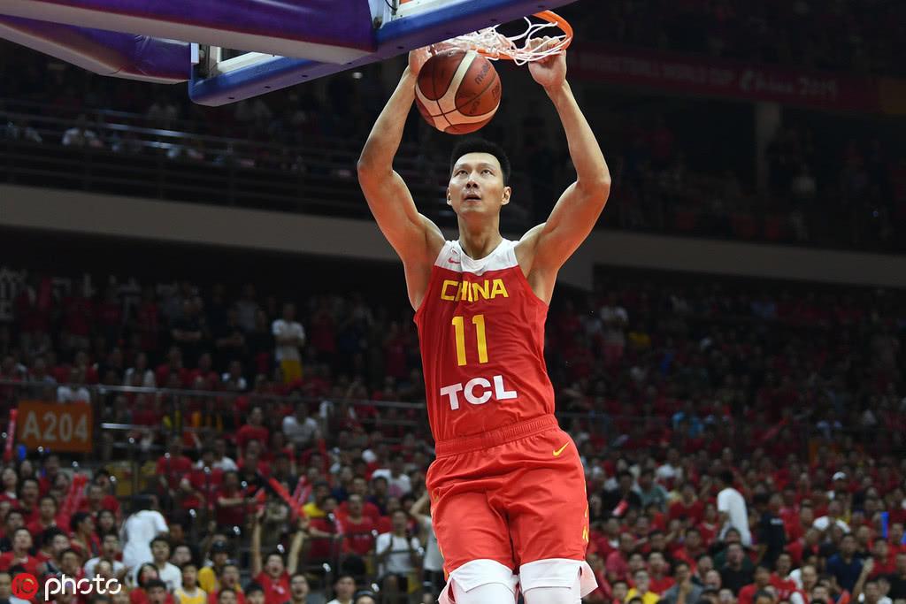 意甲联赛直播,带领中国男篮再一次发起冲锋的男人,我们欠他一句道歉与感谢