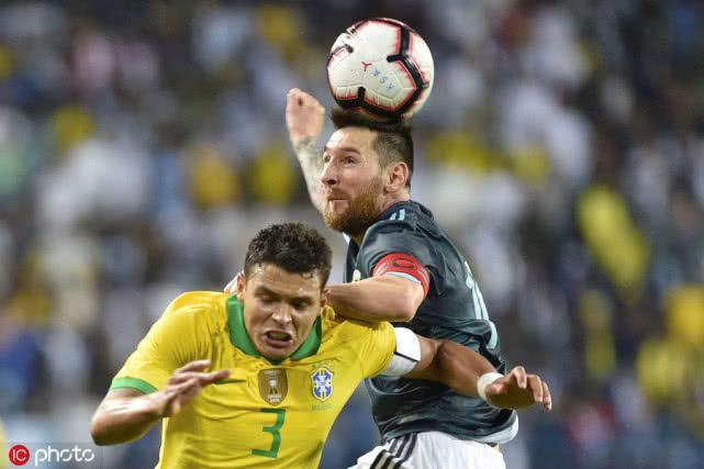 巴西帮辅佐梅西争冠?曝弟媳有望加盟巴萨 上一年曾怒喷梅西操控裁判