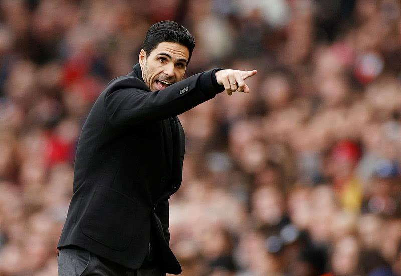 巴萨和拜仁的竞赛,或错失价值5500万英镑的后卫 