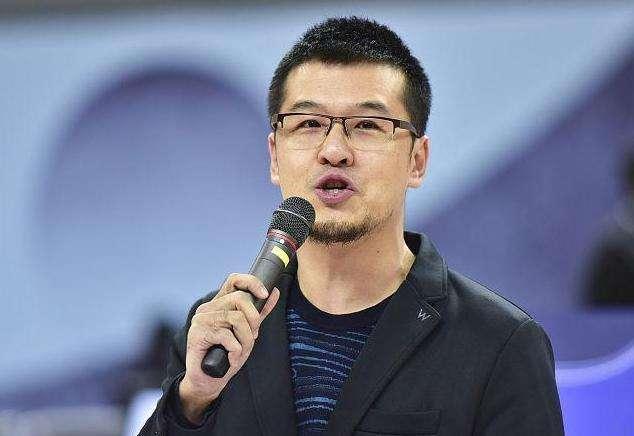 杨毅一向不看好广东男篮夺冠,26连胜的广东,为何不能冲击总冠军   