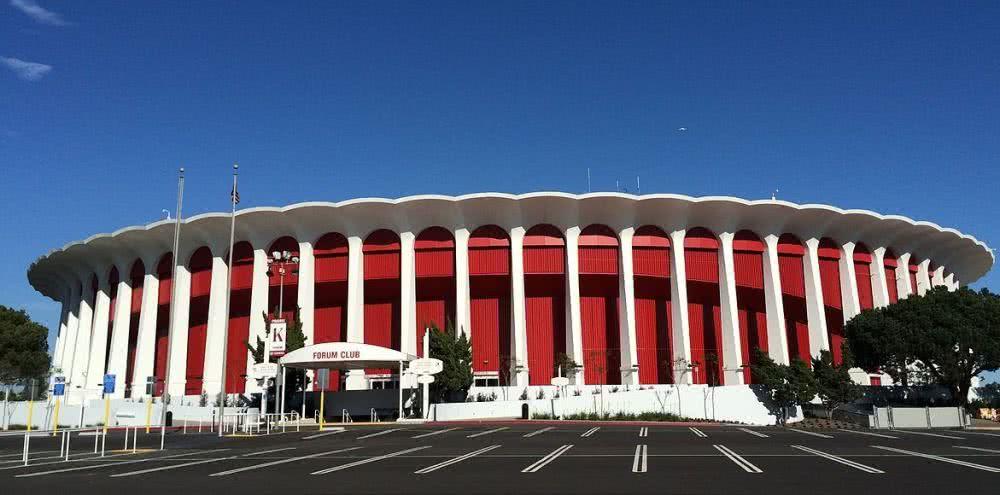 再見湖人!4億美元收購球館,663億大佬總算出手 ?