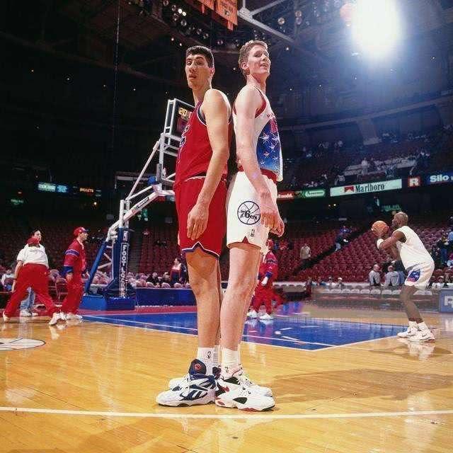 "NBA有那么多""伟人"",为何只要姚明成功了? "