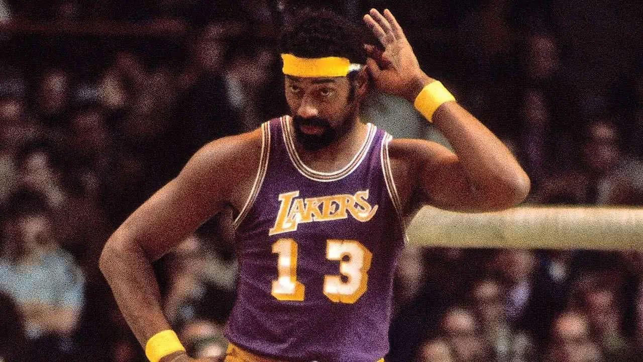 威尔特-张伯伦的名字理应出现。效力NBA的15个赛季里,他打破了多项纪录
