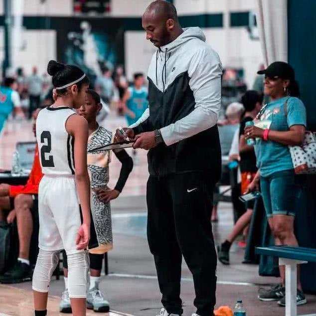 荣誉新秀!瓦妮莎致谢WNBA感人壮举 ?