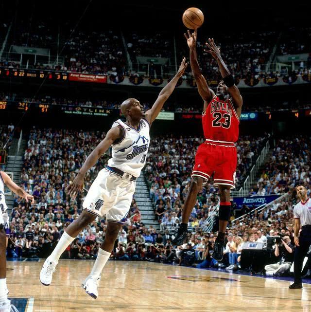 NBA历史上最巨大的球员是谁?他这7项纪录无人能破!