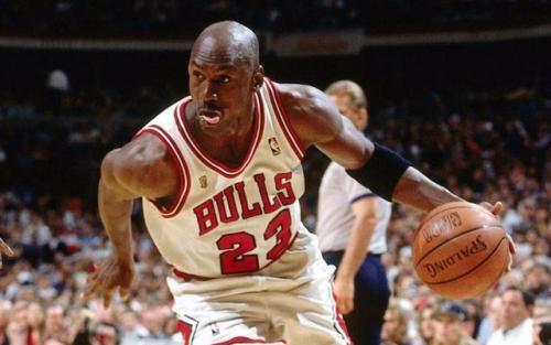 NBA只要两个人一切赛季场均得分超过20?球迷:詹姆斯和杜兰特最有希望 
