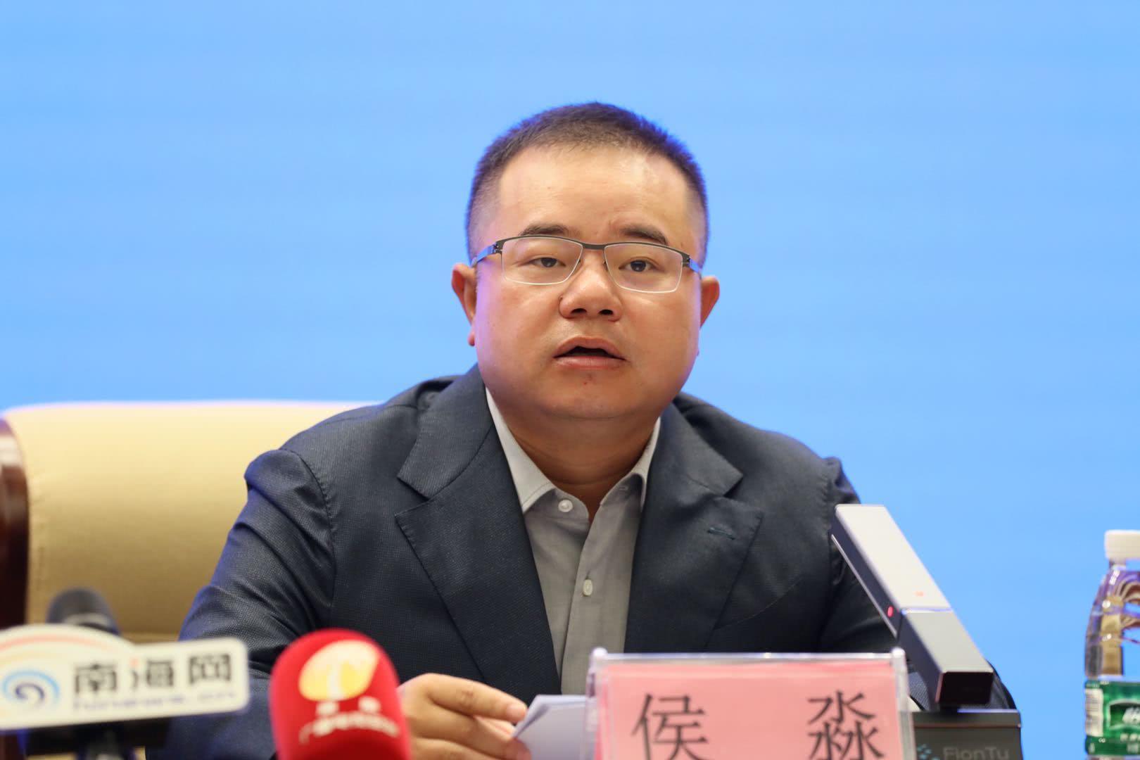 图片:游戏副总裁、电竞负责人侯淼发表演讲