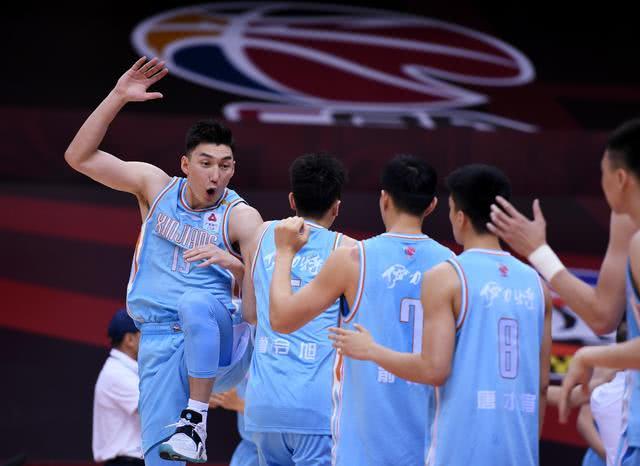 新疆险胜青岛,两位板凳匪徒帮了大忙   