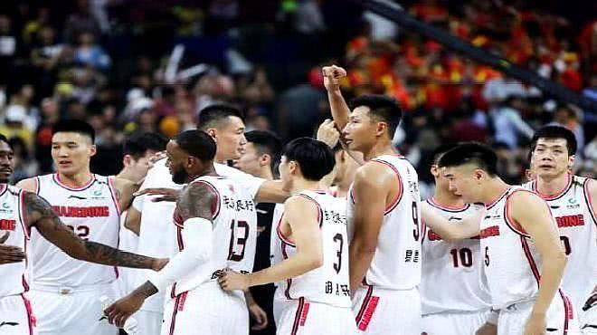 CBA梦之队,场均123.7分,场均净胜39.7分,谁能阻挠广东连胜? 