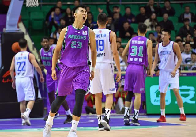 山东男篮集结训练5人缺席,常规赛末段强敌过半