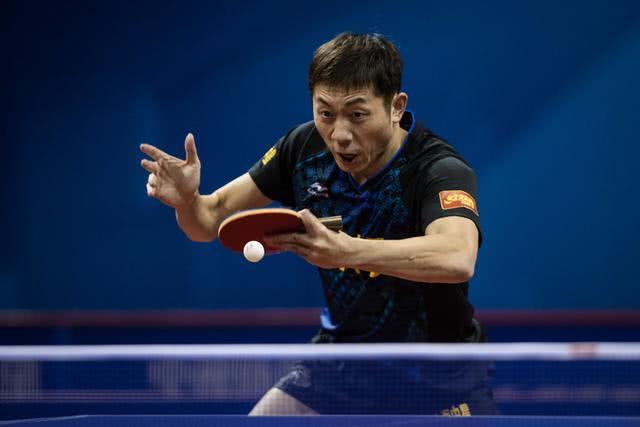 许昕神仙球震慑世界,从人性化和推广乒乓角度,都该给他奥运名额