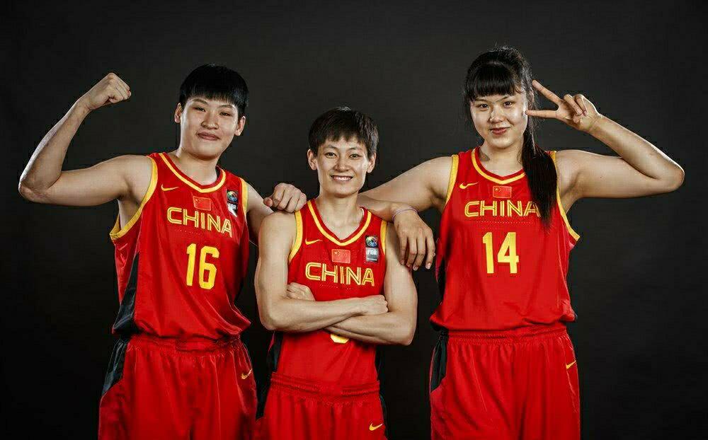 ,中国女足在澳大利亚遭到隔离14天的待遇;近来,中国女篮抵达贝尔格莱德