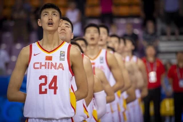 接连挫折欧洲豪门!国青队展现强悍战斗力,中国男篮未来可期!