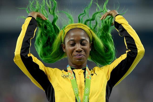 """牙买加""""闪电""""博尔特是人类史上跑得最快的男人,而从职业生涯统治时刻的角度"""