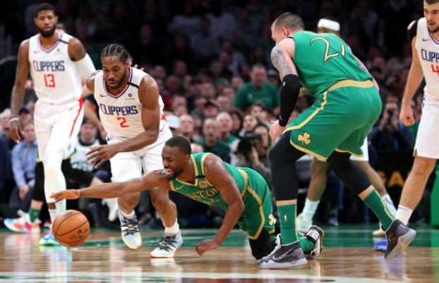 真累!NBA惨烈一战,苦战3个多小时+6人上场45+分钟累得弯腰
