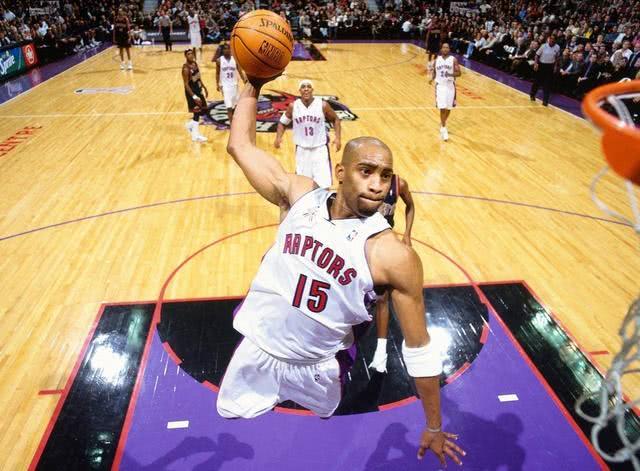NBA各领域最强球员!库里引领时代,詹姆斯跨时代,而他创造时代