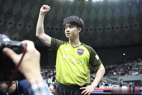 匈牙利赛男单8强!张本智和25分钟狂轰4-0