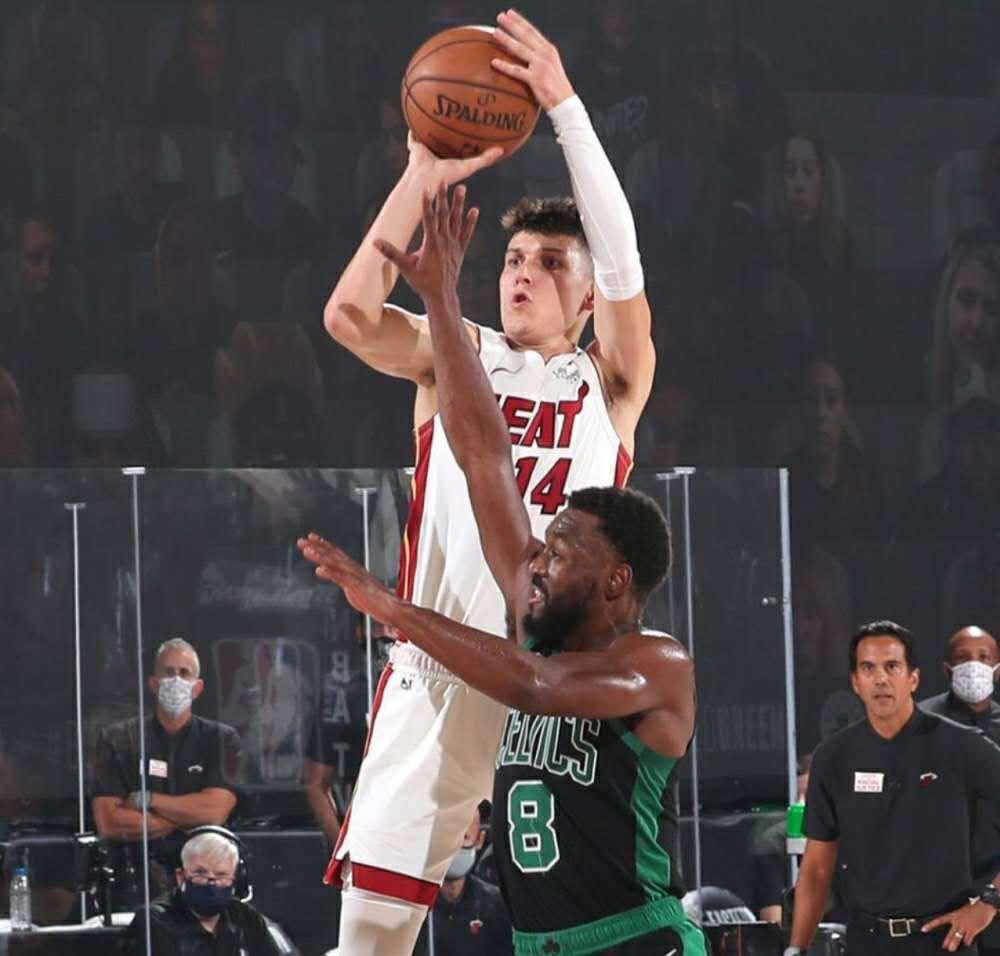 NBA又一00后大迸发!单节16分创2大纪录:比肩科比,成44年第一人 