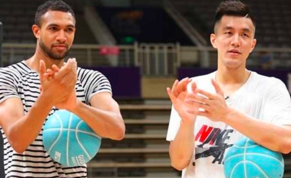 辽宁名帅郭士强在今年加盟广州男篮后,为球队带来了许多新的变化