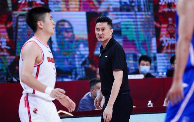 广东官方透露体测全员过关,杜锋爱将两分钟投篮24中21