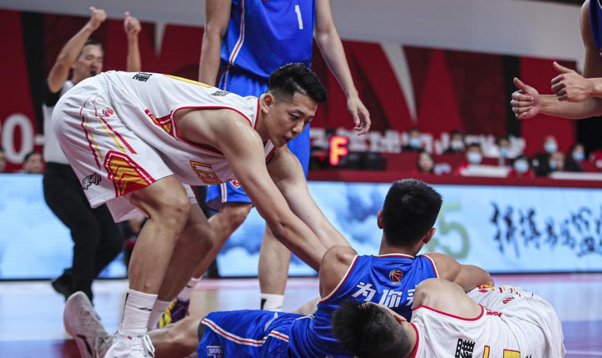 CBA二年级新秀持续暴走 末节关键3分助天津赢球