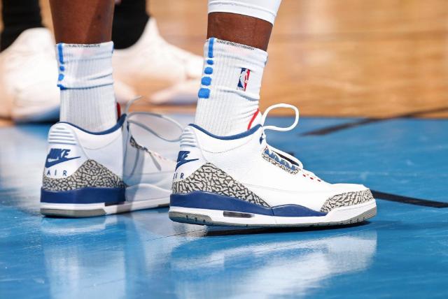   NBA球员的球鞋会穿多久?一般球员很正常,他一节一双最豪华