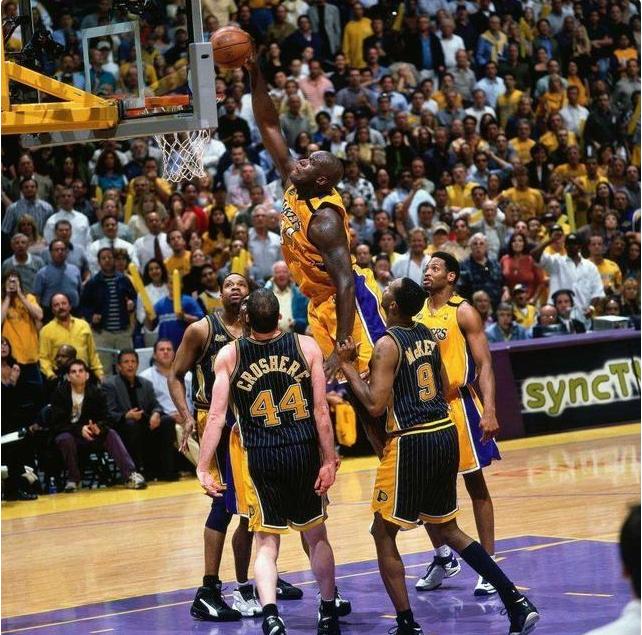 奥尼尔活泼在很多领域中,而他在篮球领域中的位置更是名列前茅