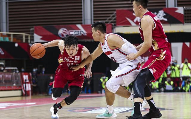 卫冕冠军广东男篮从竞赛一开始就被对手死死限制