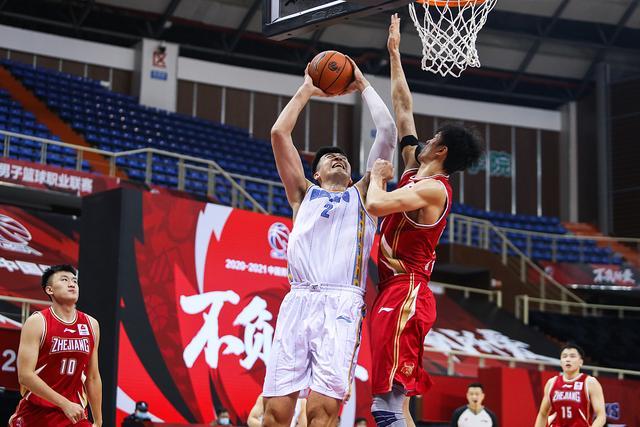 昨夜与浙江男篮的比赛也算是首钢队新赛季常规赛的首秀  