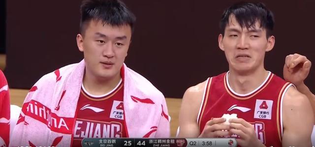 浙江男篮的芳华风暴席卷联赛,新疆男篮不遑多让,锋线尤为杰出 