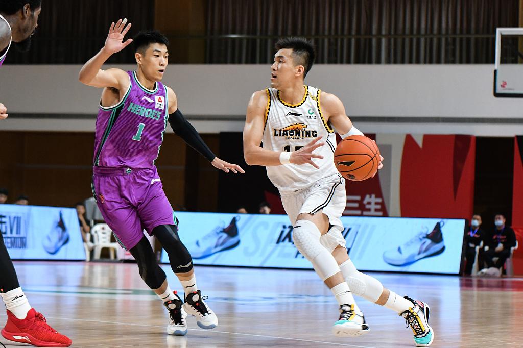 辽篮对阵山东,相较于竞赛,更精彩的是杨鸣的这次举动 