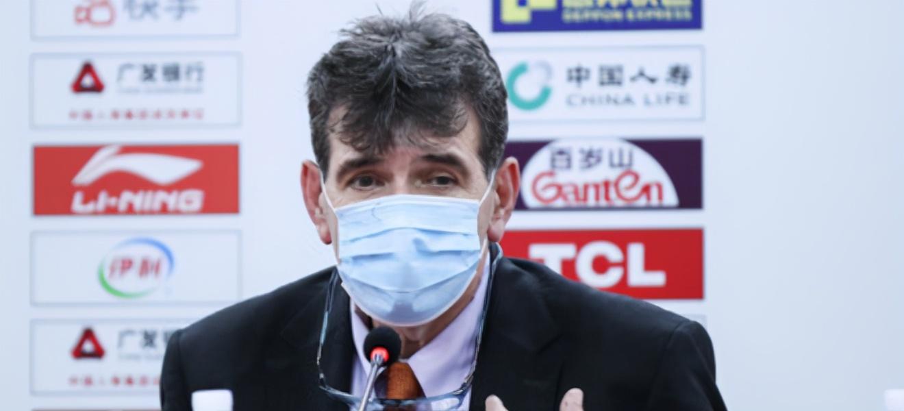 CBA争议大翻盘,外教大帅痛批中国球员软的像女孩!网红经理抱歉