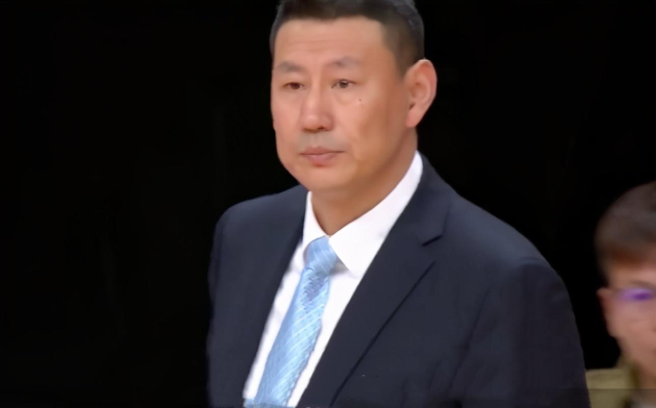 """都是""""菜鸟""""教练,为何李楠的体现还比不过杨鸣?引起球迷热议! """
