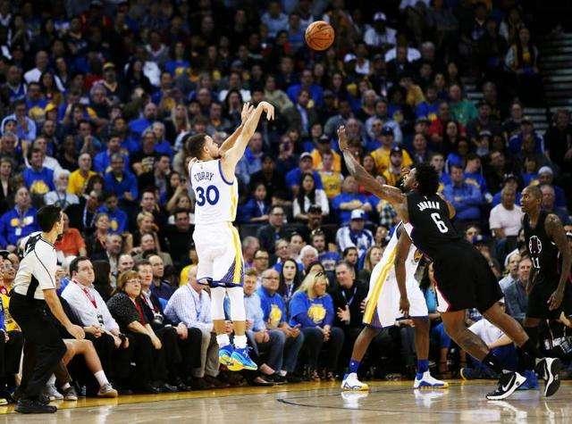 为啥NBA曾经的前史中,没诞生库里这种三分投篮超准的球星? 