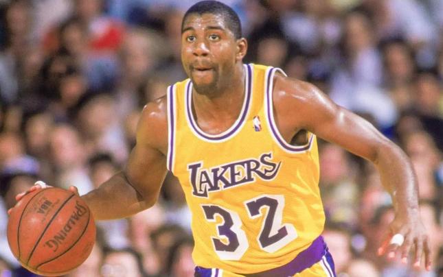 迄今为止,在NBA的各个位置中都呈现了极其优秀的球员