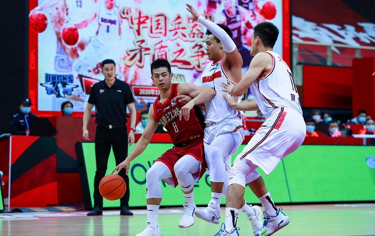 最后时刻北京队三大问题,范子铭内线毫无统治力,夺冠好像又难了