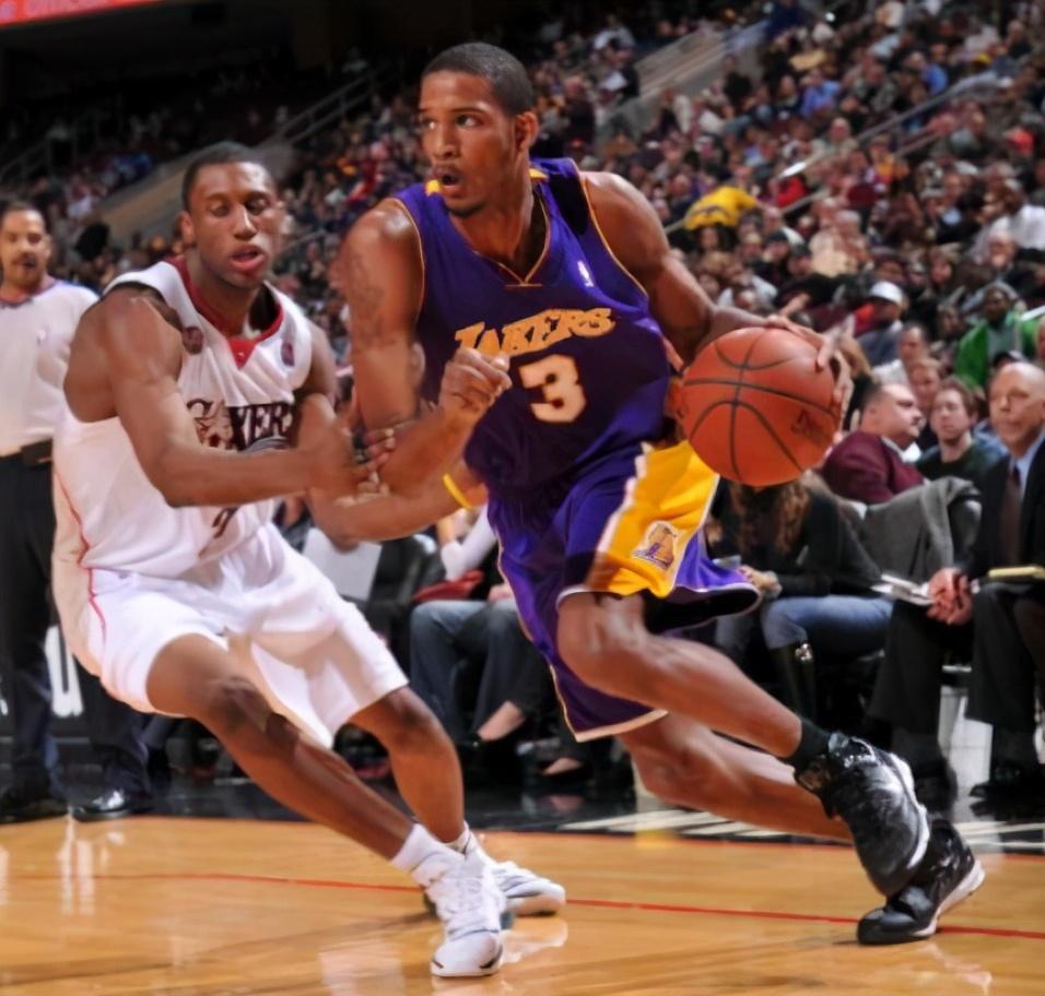 最强3D之一为大合同脱离火箭!两年换4队,现在成NBA流浪汉!