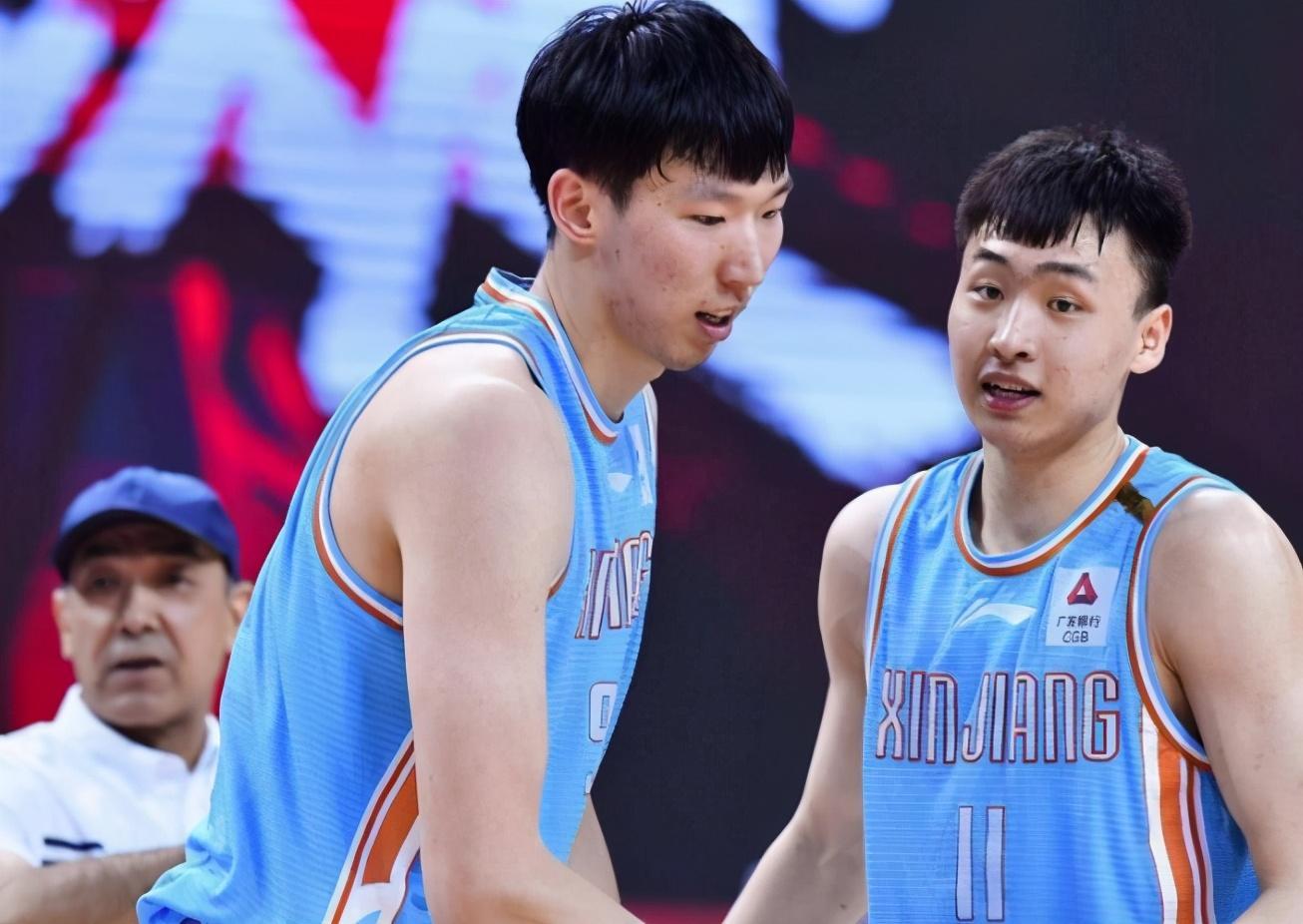 中国篮球裁判明目张胆胡吹,误判摧残2+1,比马宁还离谱 