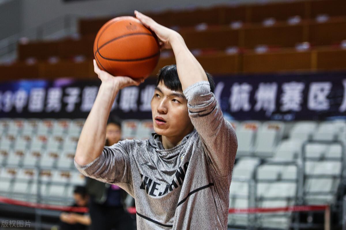 浙江男篮现已拿到了11胜1负的开局战绩,目前与辽宁男篮并列第一
