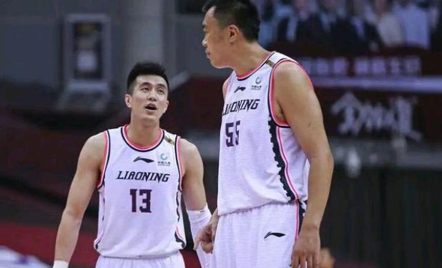 辽宁男篮在第一阶段拿到了11胜1负的战绩,位居联赛第一名!