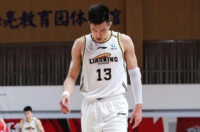 首个月最佳球员出炉,郭艾伦力压吴前,斩获本乡MVP的前奏?