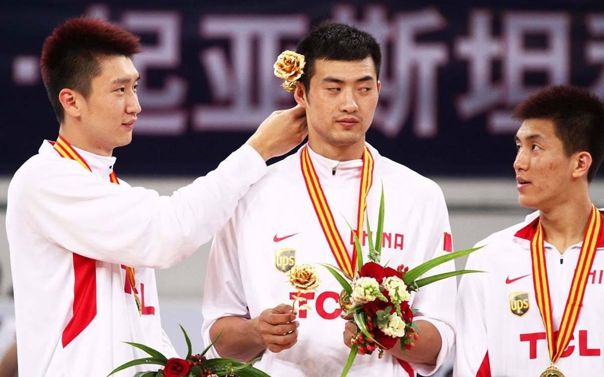男篮天才球员退役年纪排名,第一飞人本可超越朱朱芳雨,19岁黯然退役