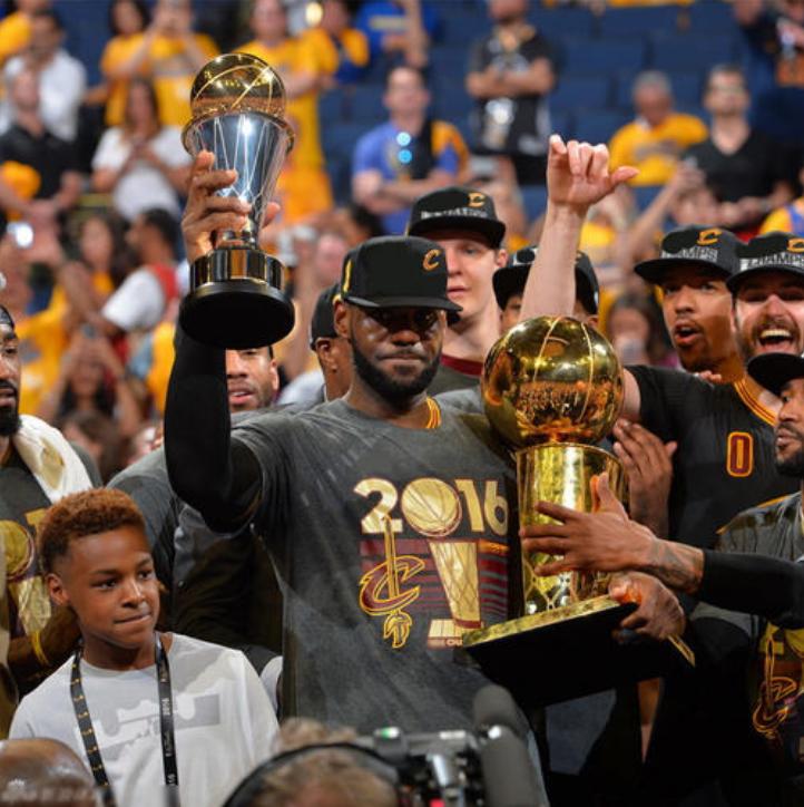 老凡尔赛了!詹姆斯:NBA最难两冠军我拿的!