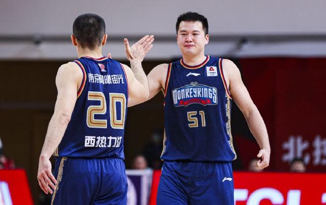 三战56分20篮板!广东旧将不负杜锋培养,感谢朱芳雨选拔