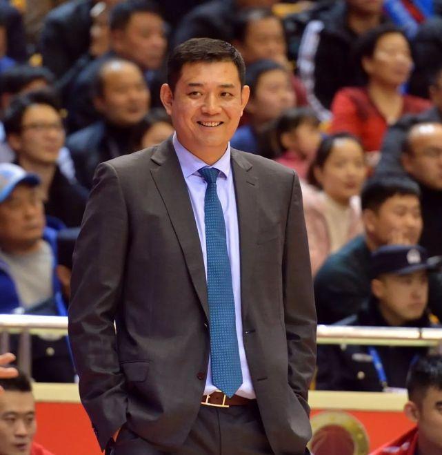 深圳在上一场比赛击败北京后,已经获得一波3连胜而且杀入季后赛行列