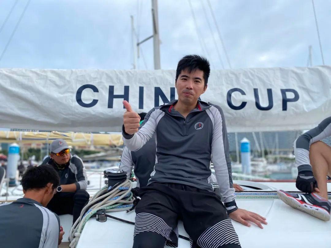 王文坤在帆船队担任前缭手。