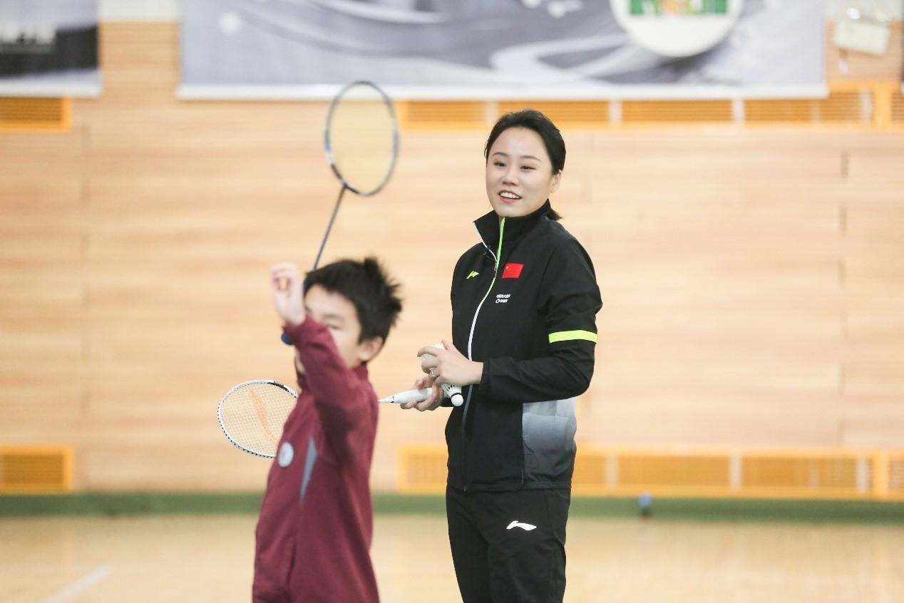 为集体荣誉感而拼搏,羽毛球双打培养青少年合作精神
