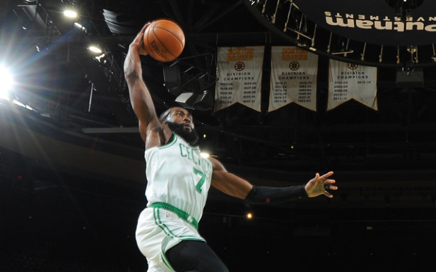 NBA常规赛继续进行,波士顿凯尔特人迎战孟菲斯灰熊队